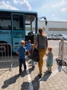 Kindergeburtstag am Flughafen